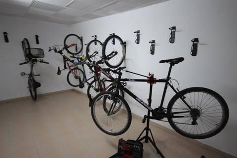 79bc1-09ae9-hotel-sagoita-serveis-habitacio-bicicletes-3.jpg