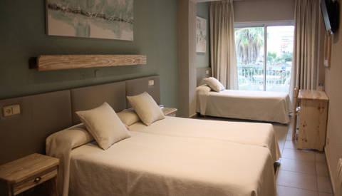 c7f1e-8a516-hotel-sagoita-habitacions-triple-2.jpg